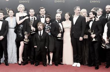Alfombra roja de actores de 'Juego de Tronos' Fuente: laverdad.com