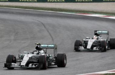 Rosberg gana en Austria y Mercedes consigue otro doblete