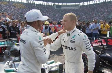 Hamilton e Bottas festeggiano la vittoria dell'inglese (twitter)