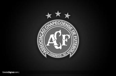 Escudo de Chapecoense en negro. Foto: Grada Digital