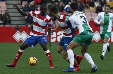 Adrián Ramos en el partido contra el Extremadura. Foto: Antonio L Juárez