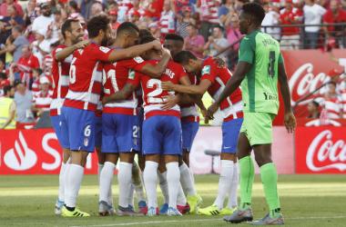 Los jugadores del Granada CF celebran la victoria ante el CD Leganés. / FOTO: Antonio L. Juárez