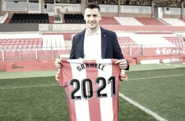 Àlex Granell en el acto de renovación   Foto: Girona FC