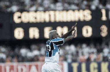 Marcelinho Paraíba comemorando seu gol contra o Corinthians na final - Foto: Divulgação