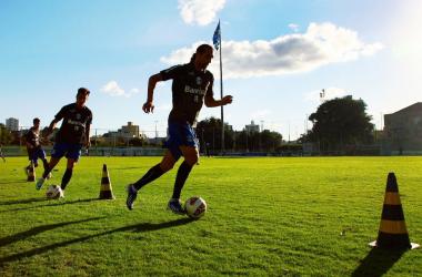 Jogadores em ritmo intenso de treinamentos (Foto: Divulgação/Lucas Uebel/ Grêmio)