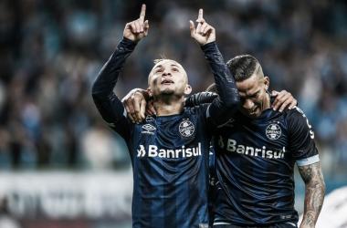 Reservas do Grêmio atropelam Vitória e colam nos líderes do campeonato
