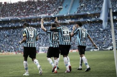 Grêmio quebra tabu de dois anos sem vitória em clássicos e goleia o Internacional