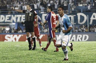 Em noite de Careca, Paysandu vence o Guaratinguetá por 4 a 3