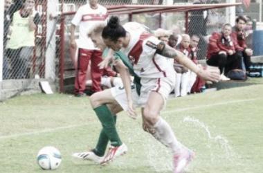 Partido peleado y pasado por agua. A Ferro se le escapó un partido increíble   Foto: Misiones Online.