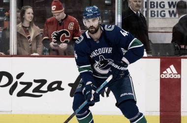 Gudbranson en un partido con los Canucks | Foto: NHL.com
