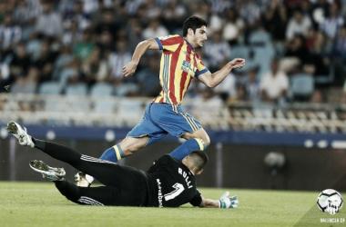 Gonçalo Guedes en los momentos previos de dar la primer asistencia de gol frente a la Real Sociedad. Fuente: Valencia CF.