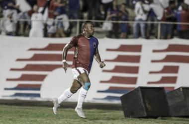 Foi o primeiro gol de Guilherme pelo Tricolor (Foto: Divulgação/Paraná)