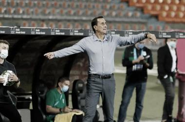 """Alexandre Guimarães: """"Contra América no es un partido cualquiera, es el clásico del fútbol colombiano"""""""
