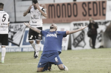 Pablo Guiñazú festeja su gol del ascenso ante All Boys. (Fuente: Mundo D)