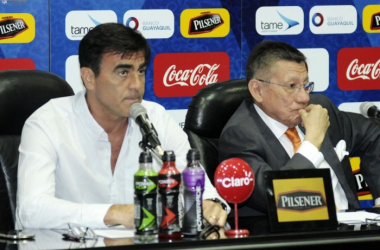 La relación entre ambos, Gustavo Quinteros (Izq.) y Carlos Villacis (der.) no sería de las mejores. Foto: Ecuavisa
