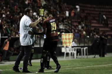 Após sofrer empate no fim, Guto Ferreira reclama da oscilação do Sport na temporada