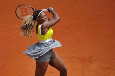 Roland Garros : Serena Williams passe (presque) sans problèmes