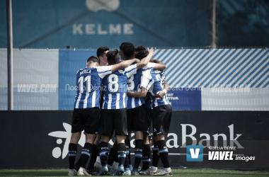 Los jugadores del Espanyol B celebrando un gol esta campaña. | Foto: Noelia Déniz - VAVEL