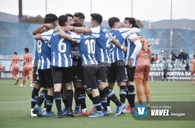 La plantilla del Espanyol celebra uno de los goles frente al Atzeneta. | Foto: Noelia Déniz - VAVEL