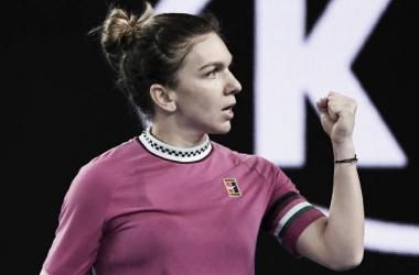 Simona Halep aprieta el puño durante su partido de hoy ante Kaia Kanepi en Melbourne. Foto: gettyimages.es