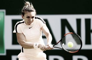 Simona Halep durante un partido la semana pasada en Indian Wells. Foto: zimbio.com