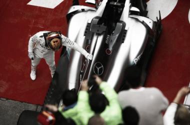 Vitória na China põe Hamilton e Vettel lado a lado na liderança (Foto: divulgação/FIA)