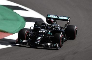 Libres 2: Los Mercedes siguen en otra liga, sorprendente Ricciardo y el Ferrari de Vettel con algunos problemas