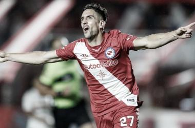 Hauche y una nueva conquista. Ya lleva cinco en la Superliga.