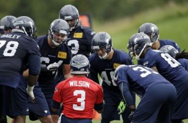 Seattle Seahawks in the offseason / Elaine Thompson - AP
