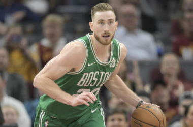 Hayward returns from hand injury; scores an efficient 14