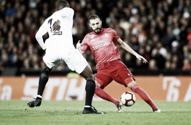 El crucero blanco se hunde frente a un Valencia de Champions