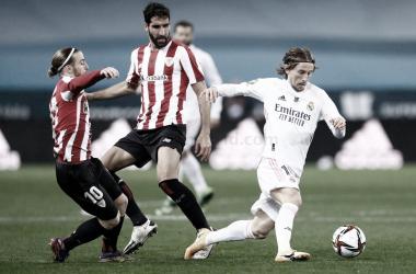 Raúl García con Modic | Foto: Real Madrid CF