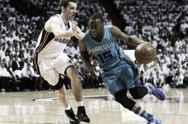 Kemba Walker could do nothing to prevent the Heat from dominating Charlotte. (Photo credit: AP)