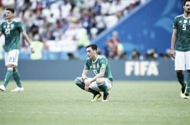 Özil retrata a Alemanha na Copa 2018: uma múmia, um vexame, uma desgraça (Foto: Fifa)
