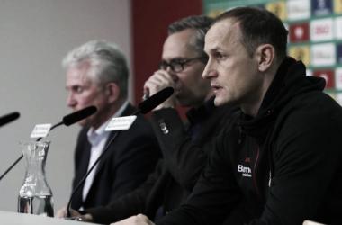 """Heiko Herrlich lamenta goleada sofrida pelo Leverkusen: """"Muito difícil 2 a 0 aos oito minutos"""""""