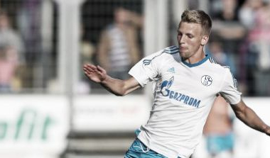 Schalke sporting director Horst Heldt angry over Friedrich's failed Hamburg loan