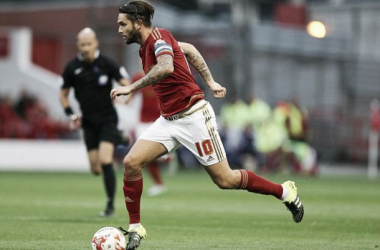 Lansbury to stay with Forest