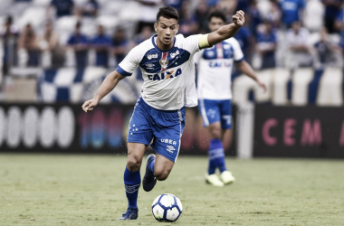 Henrique é o capitão do Cruzeiro, que terá uma missão difícil nesta quinta (Foto: Washington Alves/Light Press)