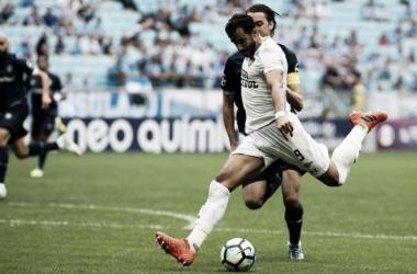 "Henrique Dourado lamenta derrota para o Grêmio: ""Temos que dar a volta por cima"""