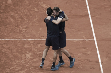 Herbert y Mahut se abrazan tras su victoria en la final de Roland Garros 2018. Foto: rolandgarros.com
