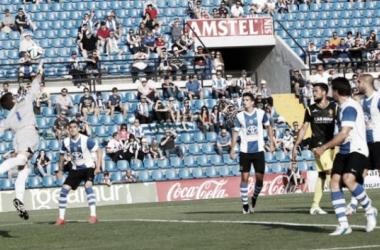 Sergio Sanz en una de sus paradas ante el Hércules (Foto: José Navarro | Diario Información).