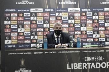 """Crespo: """"No es fácil mantenerse, y los rivales juegan"""""""