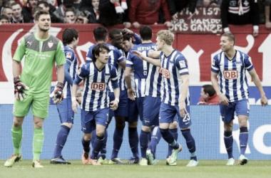 Hertha vence fora de casa e complica ainda mais a vida do Stuttgart