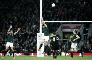 Dan Carter drops a goal after the break to help New Zealand overcome South Africa (image via: rugbyworldcup.com)