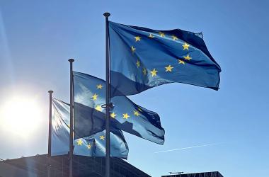 Europa: caminar con palos en las ruedas