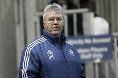 Guus Hiddink afirma satisfação com atuação do Chelsea no segundo tempo contra Bournemouth