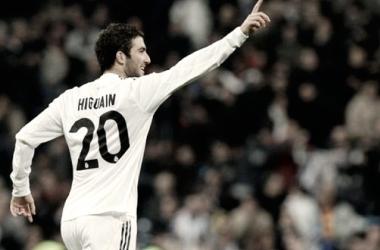 Higuaín en un partido con el Real Madrid/ Fuente: Panamerican World
