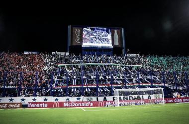 La fiesta de todos los partidos de la hinchada 'Velezana'. | Foto: Vélez Sarsfield.