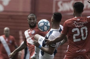Argentinos Juniors arriba en el historial