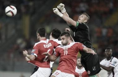 Hogg en un encuentro con Malta. Foto: UEFA